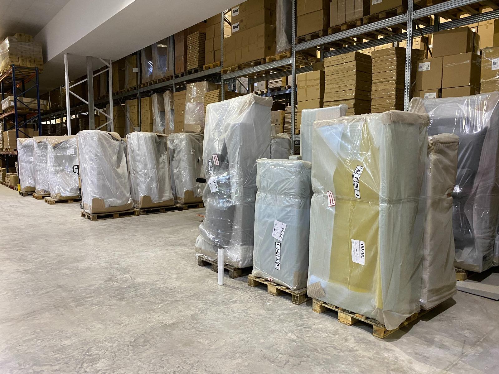 Logistics warehouse image #6